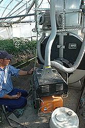 農作業する鈴木郁馬さん