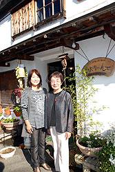 普及員のKさんと黒岩真由美さん