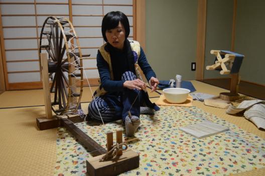 日本の四季とからむしに出会う 水野江梨さん(37)=福島県昭和村