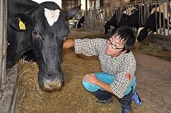 夢の牧場 石賀光さん(18)=鳥取・倉吉農業3年