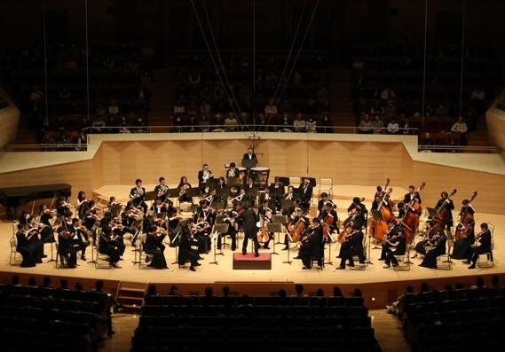 前回の「がんばろう日本!スーパーオーケストラ」の模様